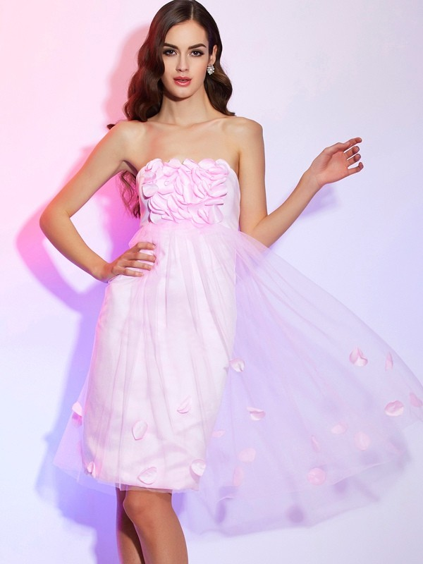 Chic A-Line Strapless Sleeveless Short Net Bridesmaid Dress