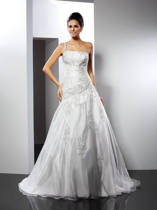 Fashion A-Line One-Shoulder Sleeveless Long Satin Wedding Dress