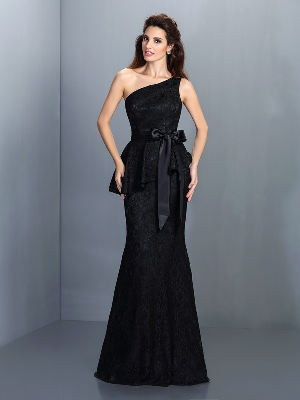 Charming Mermaid One-Shoulder Lace Sleeveless Long Satin Bridesmaid Dress