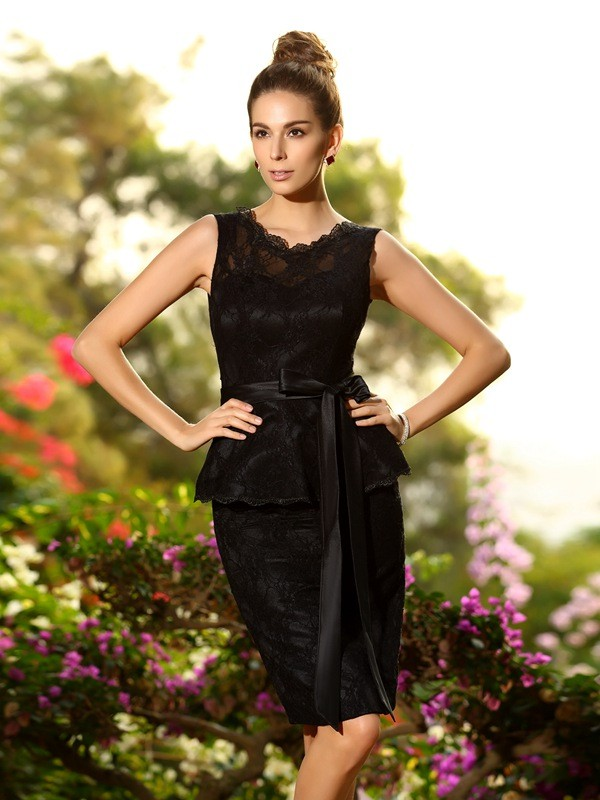 Charming Sheath Scoop Lace Sleeveless Short Satin Bridesmaid Dress