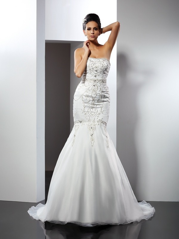 Gorgeous Mermaid Strapless Sleeveless Long Satin Wedding Dress