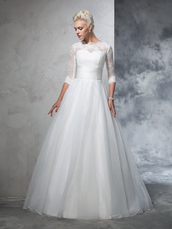 Glamorous Ball Gown Jewel 3/4 Sleeves Long Organza Wedding Dress