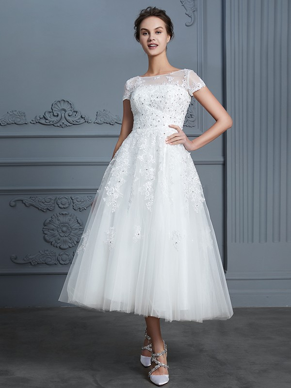 Amazing A-Line Scoop Short Sleeves Tea-Length Tulle Wedding Dress