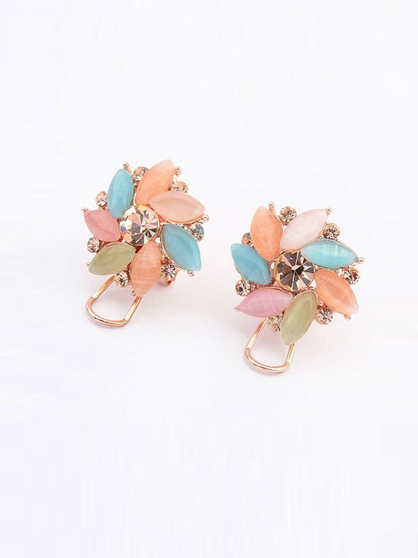 Gorgeous Occident Boutique Collision Color Ear Clip