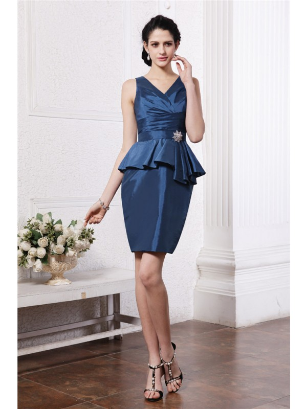 Hot Sale Sheath V-neck Sleeveless Short Taffeta Cocktail Dress