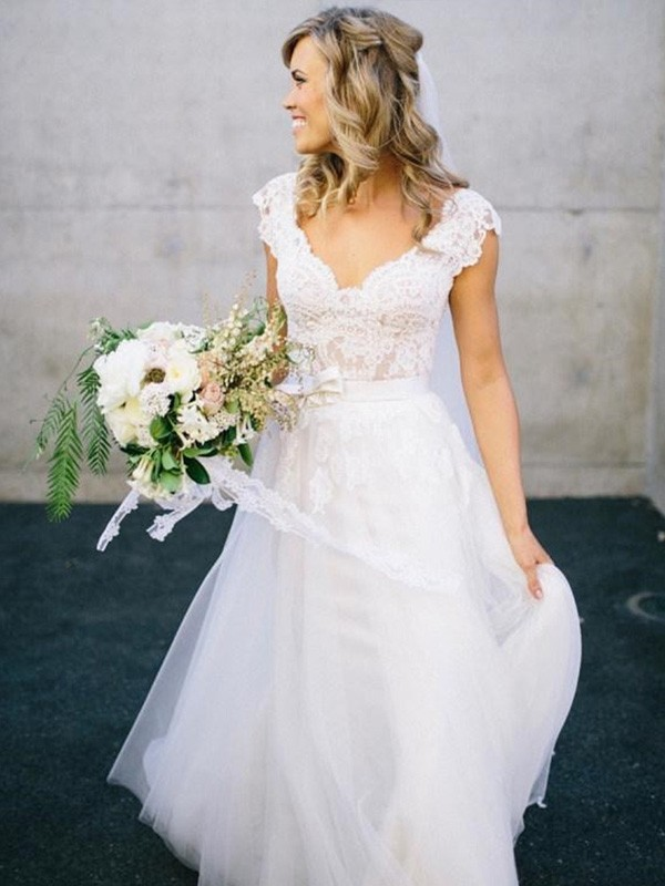 Discount A-Line V-neck Floor-Length Sleeveless Lace Tulle Wedding Dress