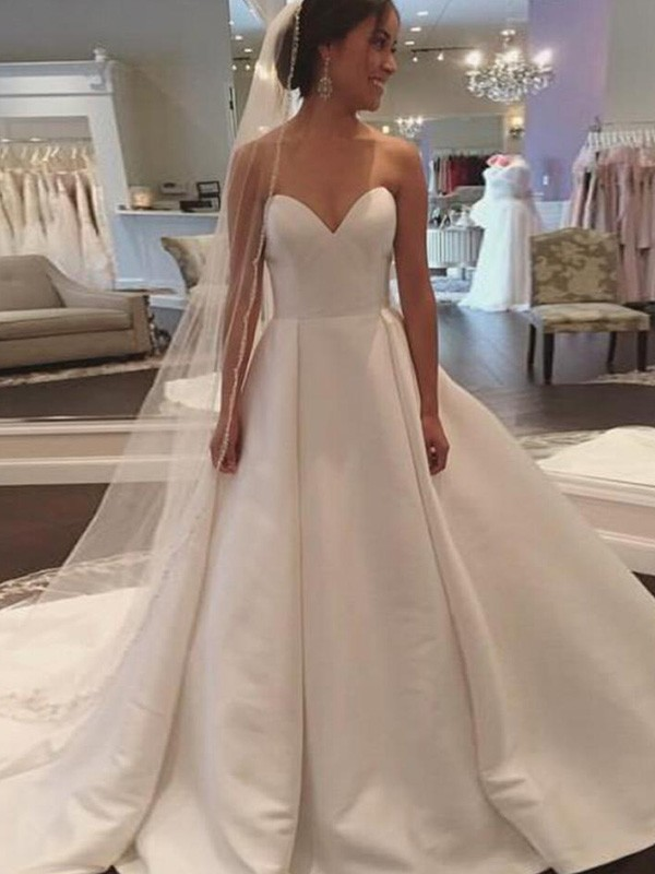 Charming Ball Gown Sleeveless Sweetheart Court Train Satin Wedding Dress