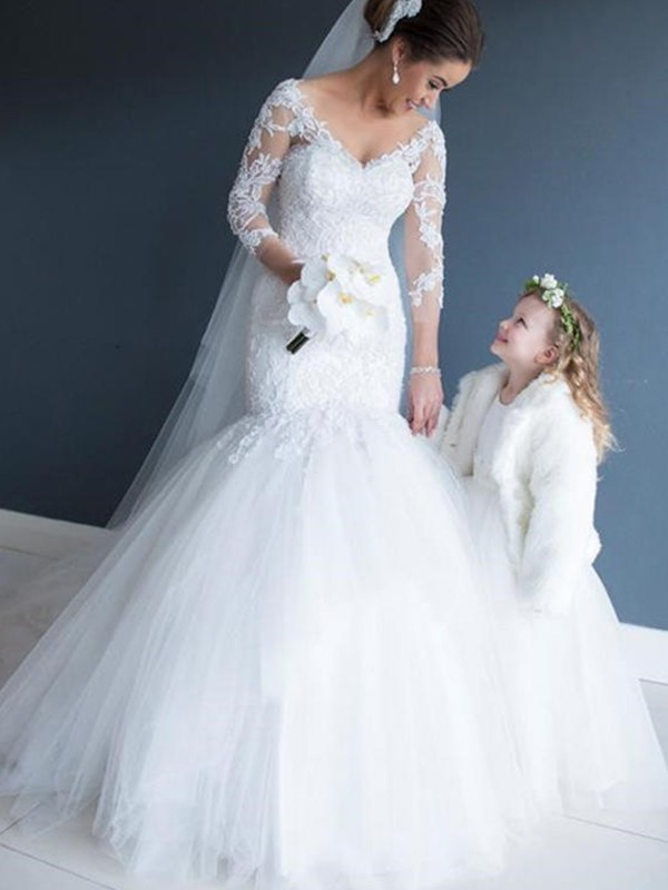 Gorgeous Mermaid V-neck Tulle Lace 3/4 Sleeves Court Train Wedding Dress