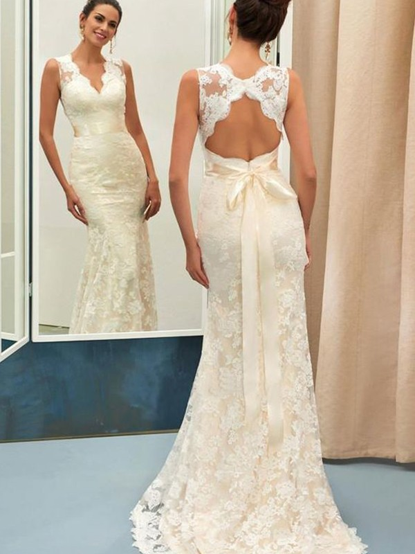 Charming Mermaid Lace V-neck Sleeveless Sweep/Brush Train Wedding Dress
