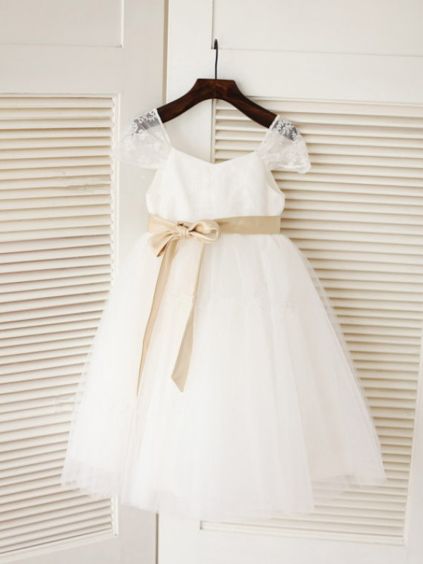 Glamorous Ball Gown Scoop Tea-length Tulle Flower Girl Dress
