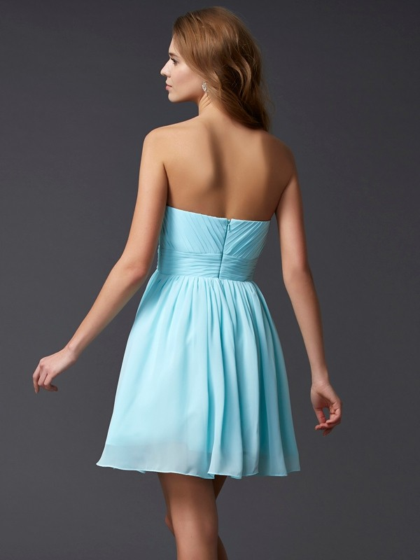 Elegant A-Line Sleeveless Sweetheart Short Chiffon Homecoming Dress