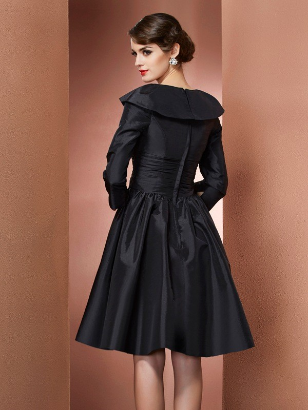 Fashion A-Line V-neck 3/4 Sleeves Short Taffeta Mother of the Bride Dress