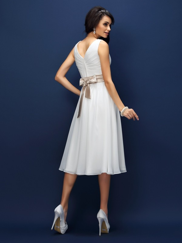 Exquisite A-Line V-neck Sleeveless Short Chiffon Bridesmaid Dress