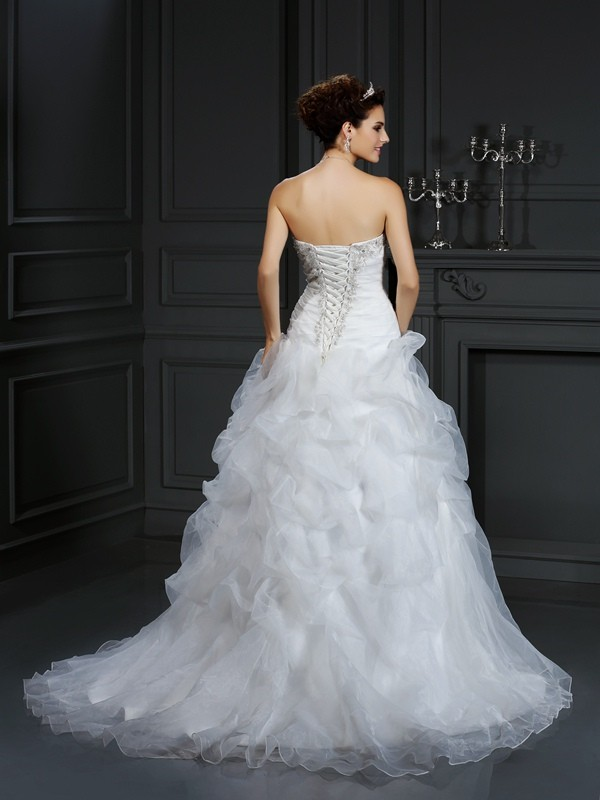 Exquisite Ball Gown Strapless Sleeveless Long Organza Wedding Dress