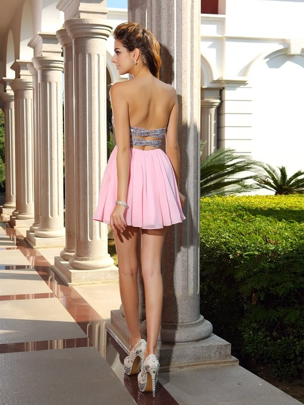 Charming A-Line Sweetheart Sequin Sleeveless Short Chiffon Cocktail Dress