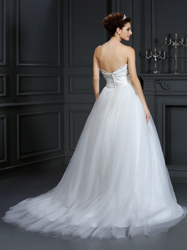 Gorgeous Ball Gown Strapless Sleeveless Long Taffeta Wedding Dress