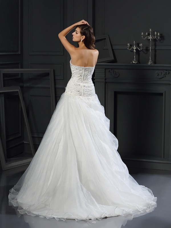 Gorgeous Ball Gown Sweetheart Sleeveless Long Organza Wedding Dress