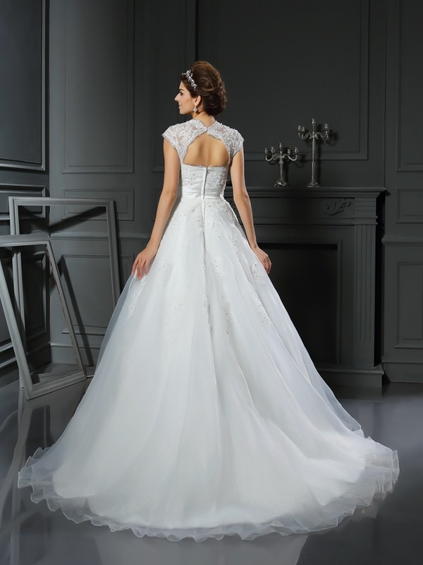 Gorgeous Ball Gown Square Sleeveless Long Organza Wedding Dress