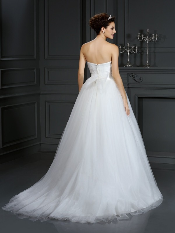 Gorgeous Ball Gown Sweetheart Sleeveless Long Net Wedding Dress