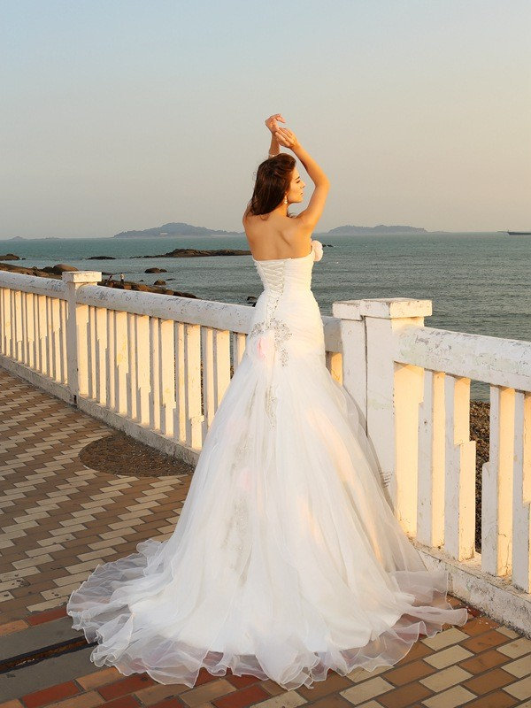 Gorgeous Ball Gown Strapless Sleeveless Long Satin Beach Wedding Dress