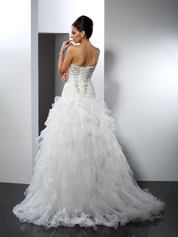Gorgeous Ball Gown Sweetheart Sleeveless Long Tulle Wedding Dress