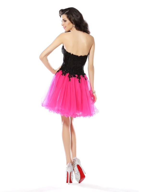 Gorgeous A-Line Sweetheart Lace Sleeveless Short Net Cocktail Dress