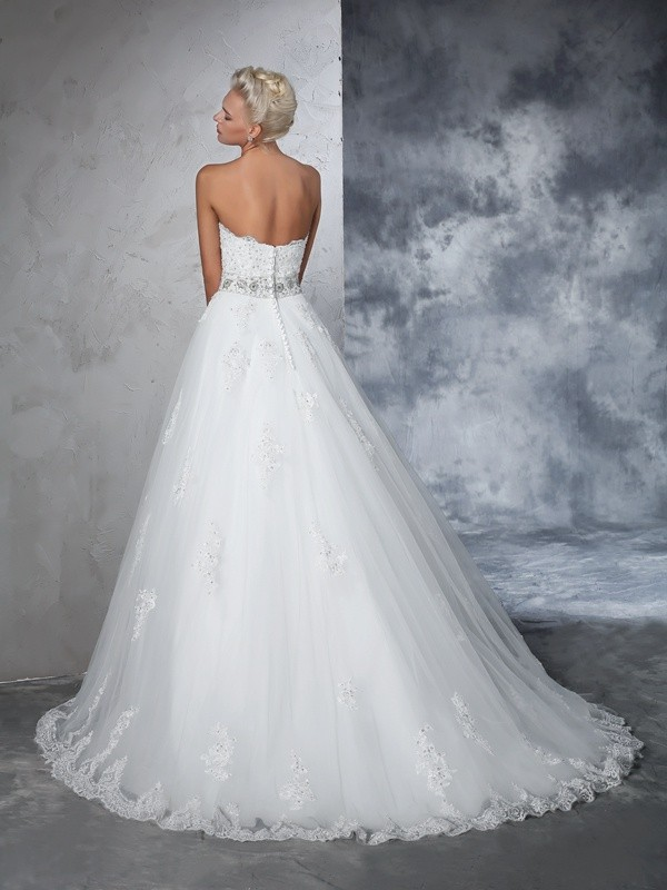 Glamorous Ball Gown Sweetheart Sleeveless Long Net Wedding Dress