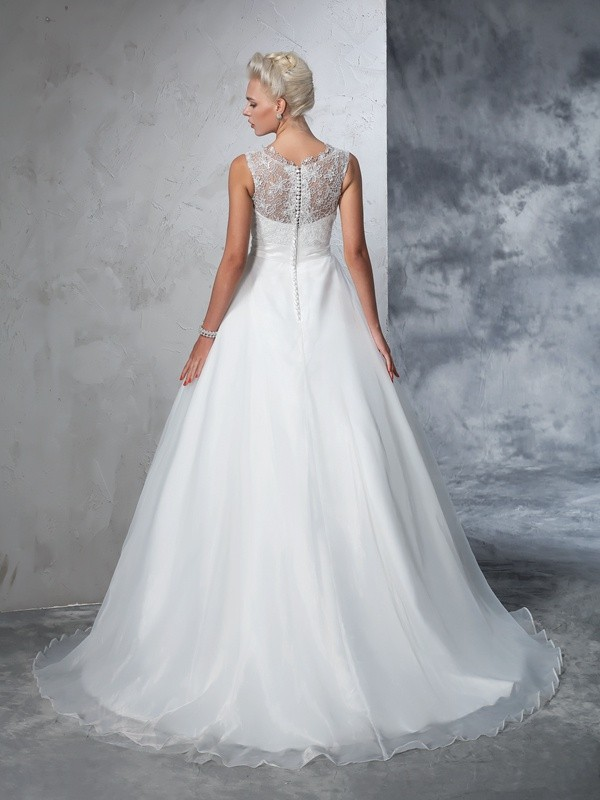 Glamorous Ball Gown Sheer Neck Lace Sleeveless Long Net Wedding Dress