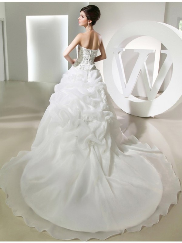 Modest Ball Gown Sleeveless Long Organza Wedding Dress
