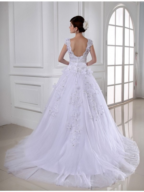 Beautiful Ball Gown Long Satin Tulle Strapless Sleeveless Wedding Dress