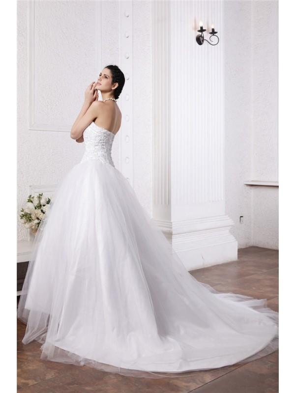 Beautiful Ball Gown Sweetheart Sleeveless Long Net Wedding Dress
