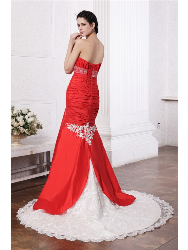 Beautiful Mermaid Strapless Sleeveless Lace Long Taffeta Wedding Dress