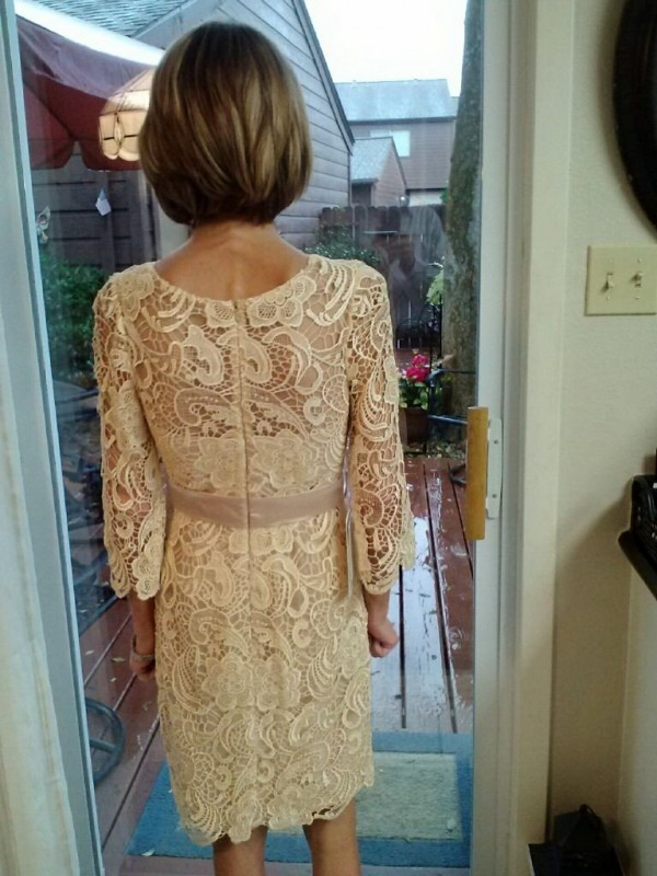 Classical Sheath Sheer Neck 3/4 Sleeves Lace Knee-Length Lace Mother Of The Bride Dress