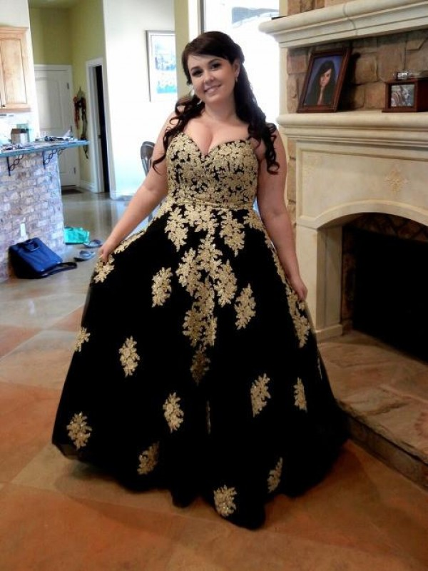 Exquisite Ball Gown Spaghetti Straps Sleeveless Floor-Length Tulle Plus Size Dress