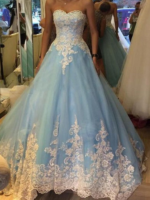 Stunning Ball Gown Sweetheart Sleeveless Tulle Sweep/Brush Train Dress