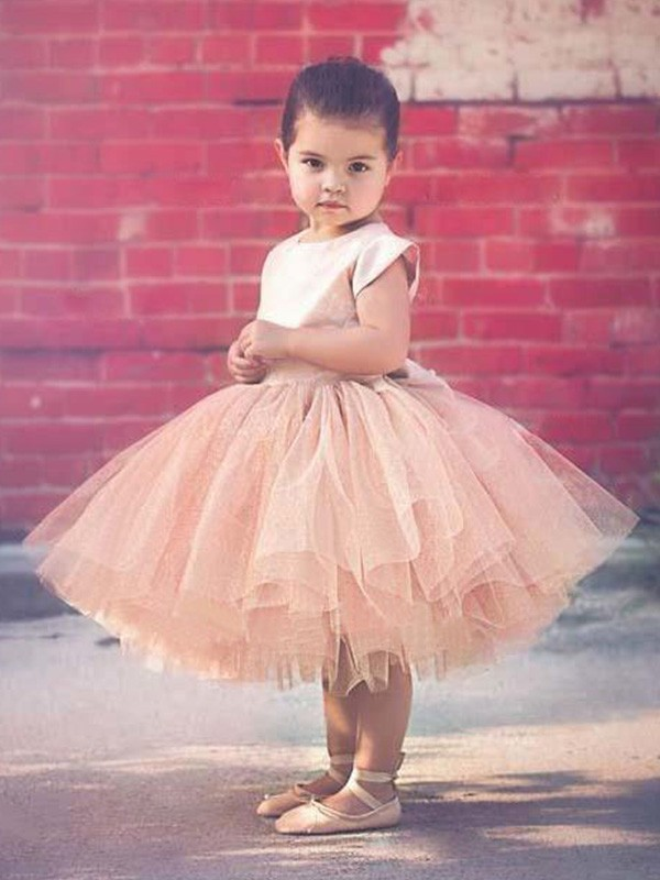 Nice Ball Gown Short Sleeves Scoop Knee-Length Tulle Flower Girl Dress