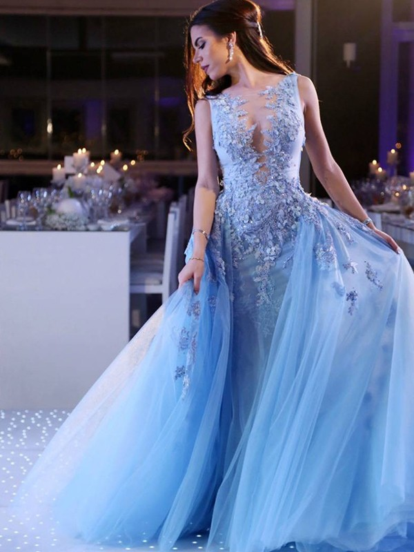 Stunning Ball Gown Sleeveless Scoop Sweep/Brush Train Tulle Dress