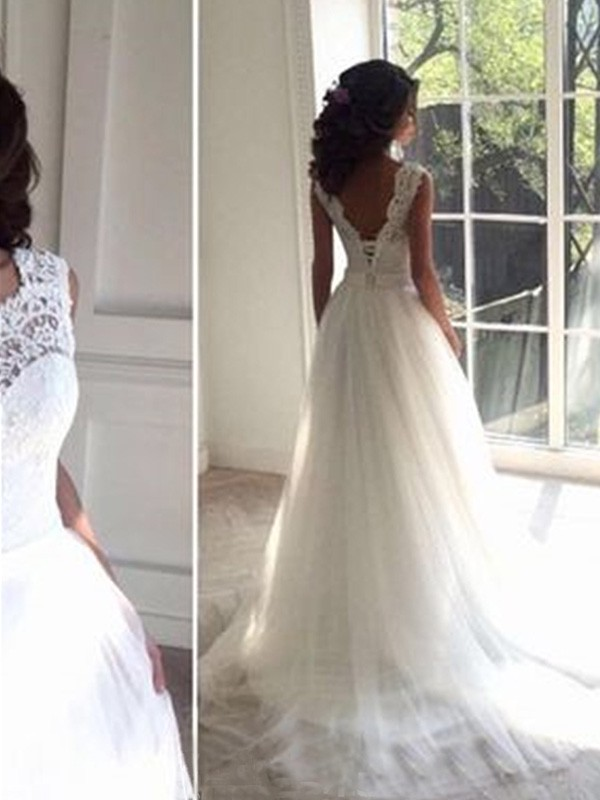 Stunning A-Line Sleeveless Square Court Train Tulle Wedding Dress