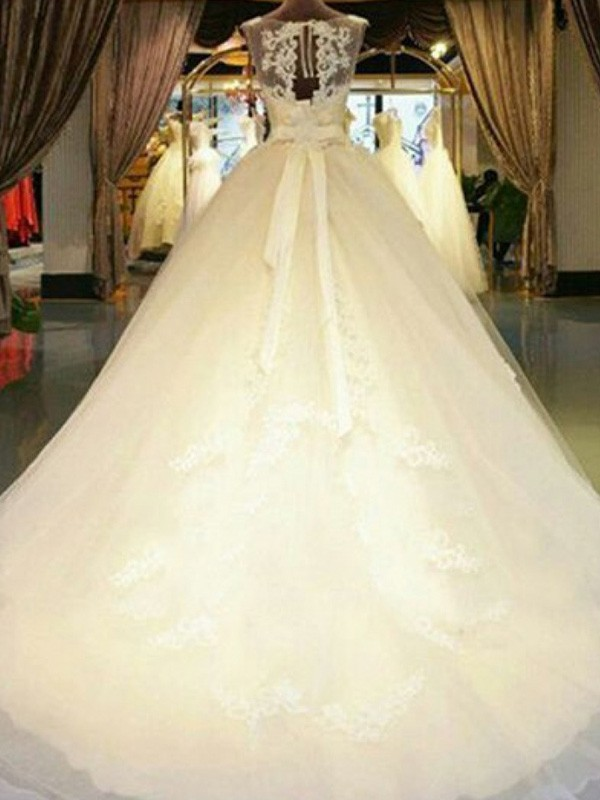 Discount Ball Gown Scoop Cathedral Train Sleeveless Tulle Wedding Dress