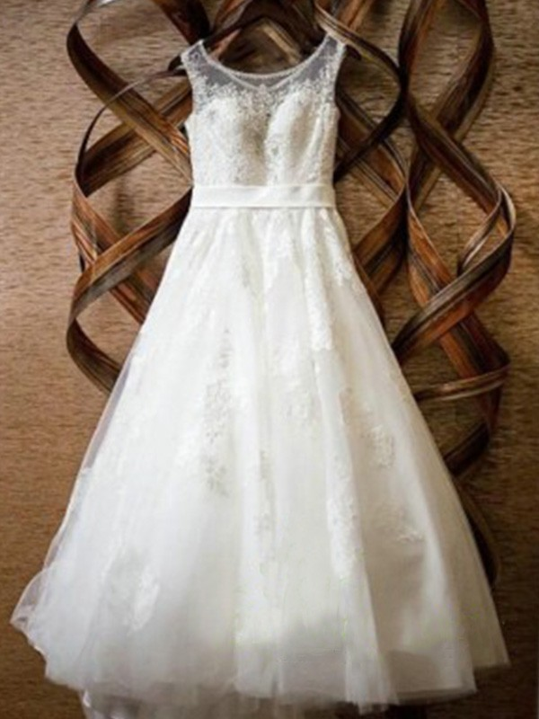 Exquisite A-Line Sleeveless Scoop Floor-Length Lace Tulle Wedding Dress