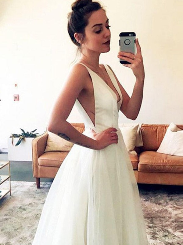 Chic A-Line Tulle V-neck Sleeveless Sweep/Brush Train Wedding Dress