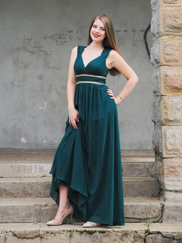 Affordable Empire Sleeveless V-neck Floor-Length Chiffon Dress