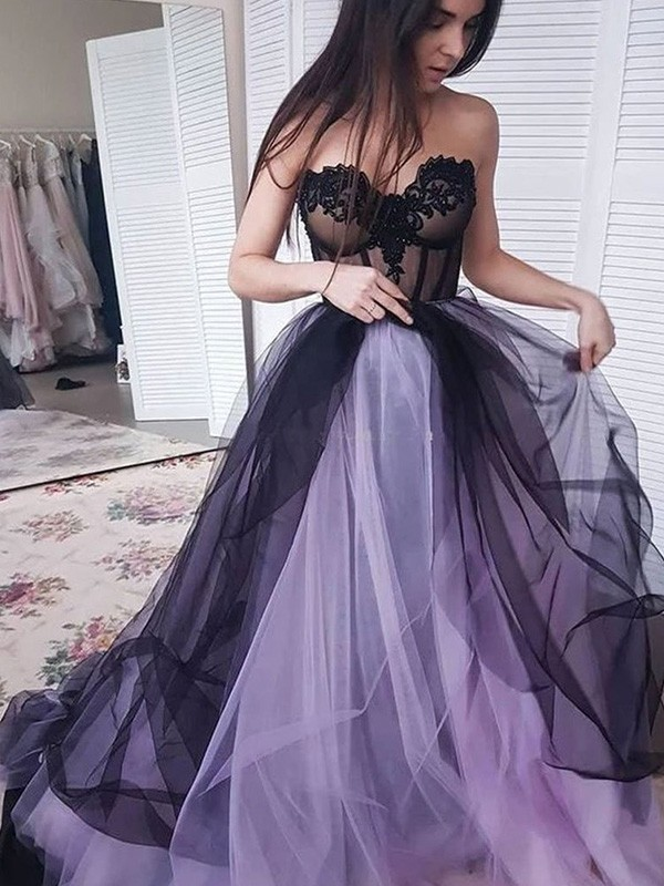 New Arrival A-Line Tulle Strapless Court Train Dress