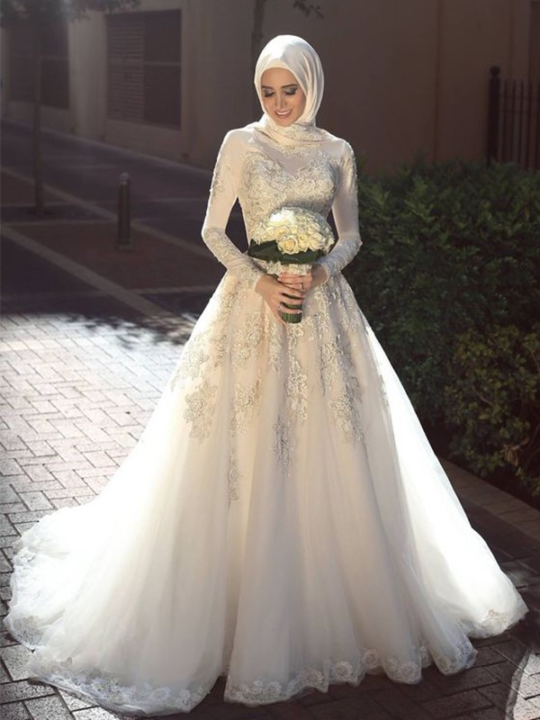 Discount Ball Gown Jewel Long Sleeves Sweep/Brush Train Tulle Wedding Dress